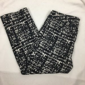 Apt 9 Black & White Print Capri Pants 8